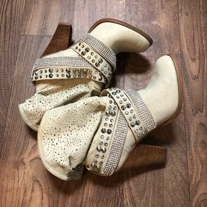 Tan boots with rhinestone and embellishments Size8